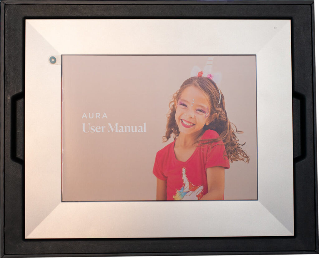 My review of the Aura Sawyer picture frame with its tack sharp display and stylish look 5