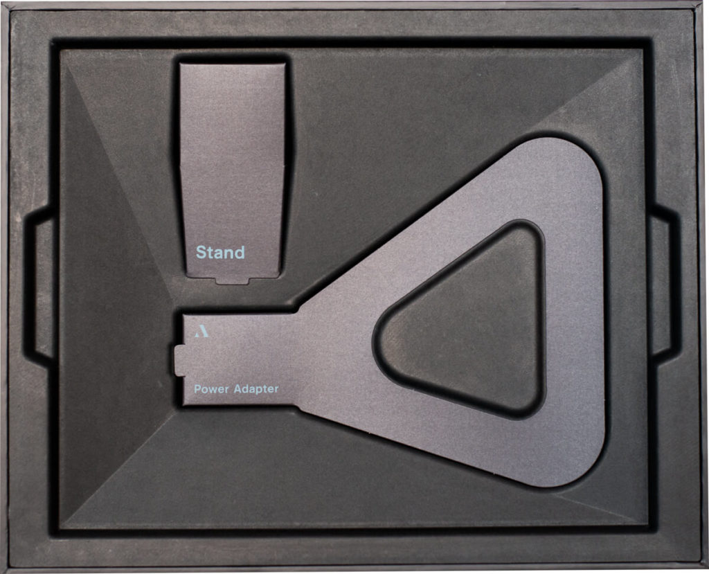 My review of the Aura Sawyer picture frame with its tack sharp display and stylish look 6