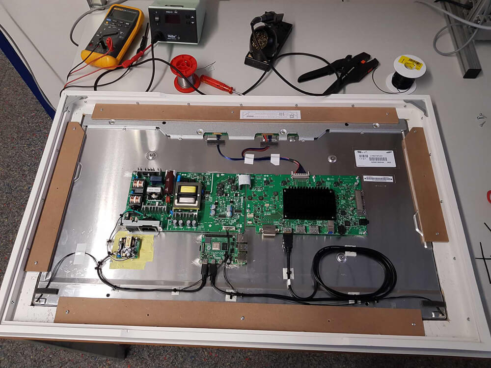 Get inspired for your Raspberry Pi project in The Digital Picture Frame User Gallery 5