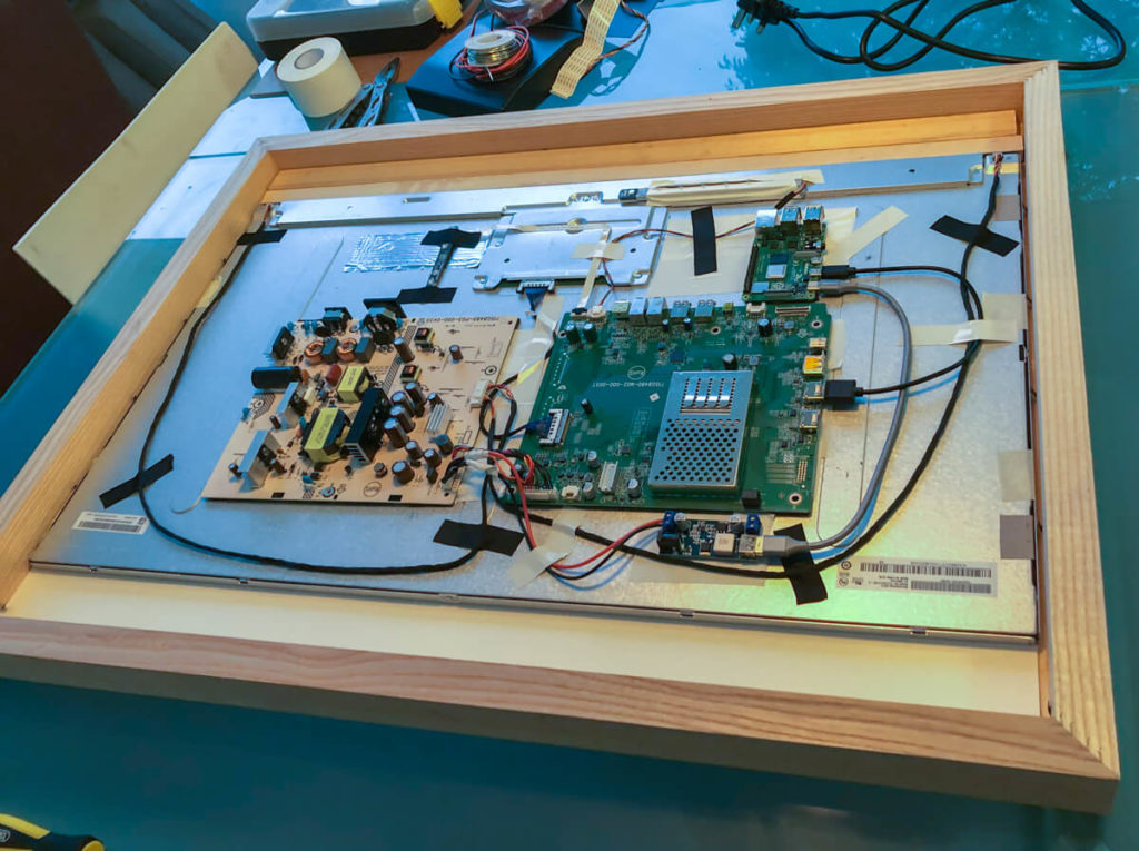 How Rob built a superslim 32-inch 4K digital picture frame based on the BenQ PD3200 and the Raspberry Pi 4 6