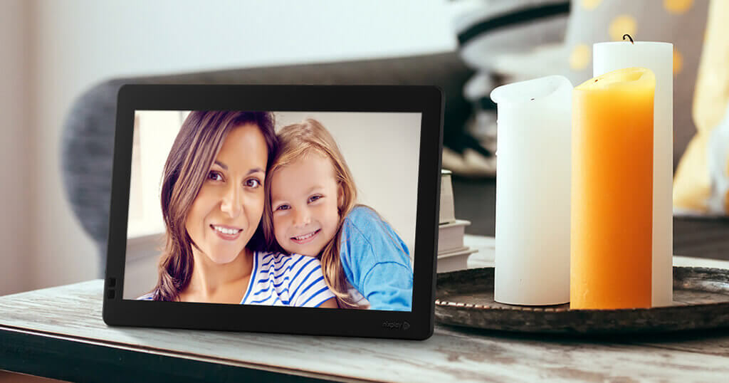 Which digital picture frame makes the best present? 5
