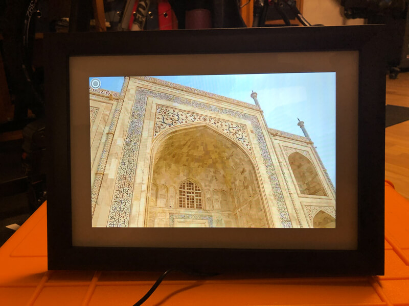 My impression of the Dragon Touch Digital Picture Frame Classic 10 with touch screen, WiFi, and SD/USB 14