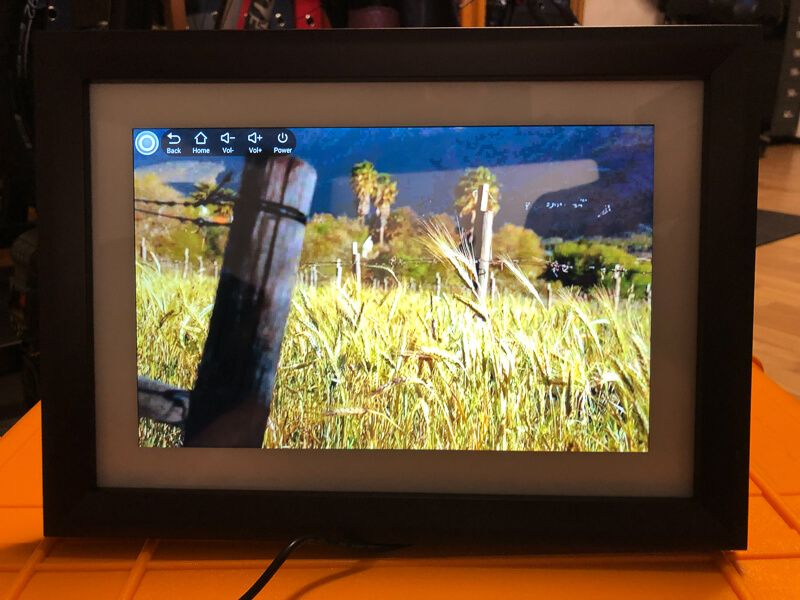 My impression of the Dragon Touch Digital Picture Frame Classic 10 with touch screen, WiFi, and SD/USB 16
