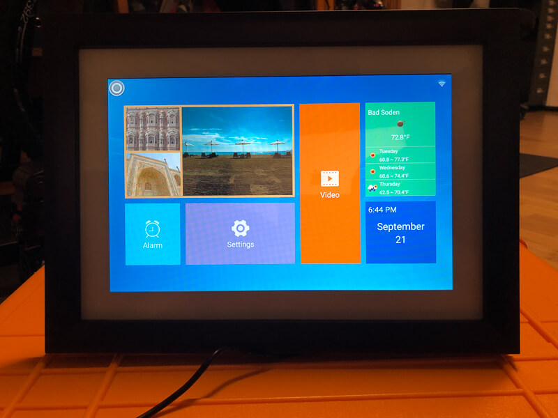 My impression of the Dragon Touch Digital Picture Frame Classic 10 with touch screen, WiFi, and SD/USB 10