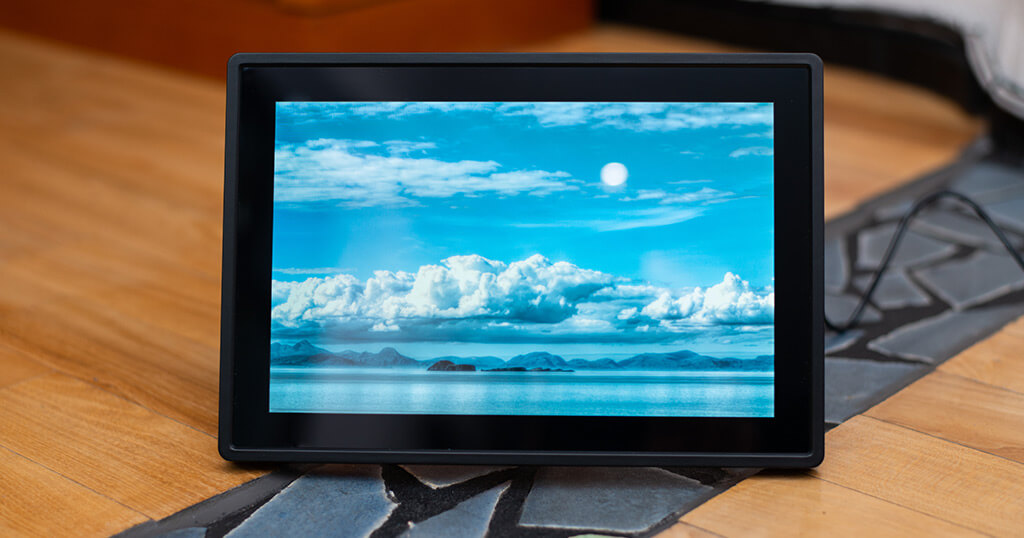 My review of the Feelcare 10.1-inch WiFi Touchscreen Digital Photo Frame 1