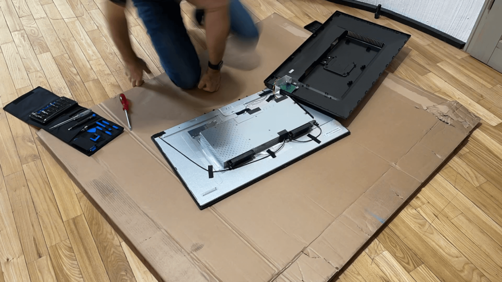 Watch the video how I dismantled the BenQ PD3200U monitor to build a new 4K digital picture frame with the Raspberry Pi 11