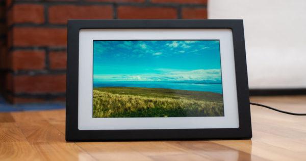 Skylight 10-inch WiFi Touchscreen Digital Photo Frame 1